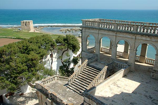 Abbazia San Vito e torre di avvistamento - Polignano