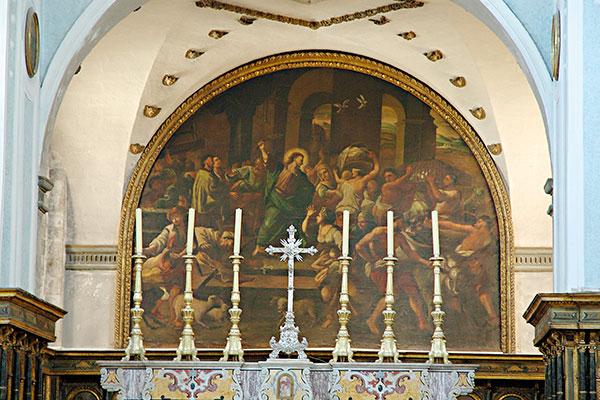 Interno chiesa matrice di Polignano a Mare