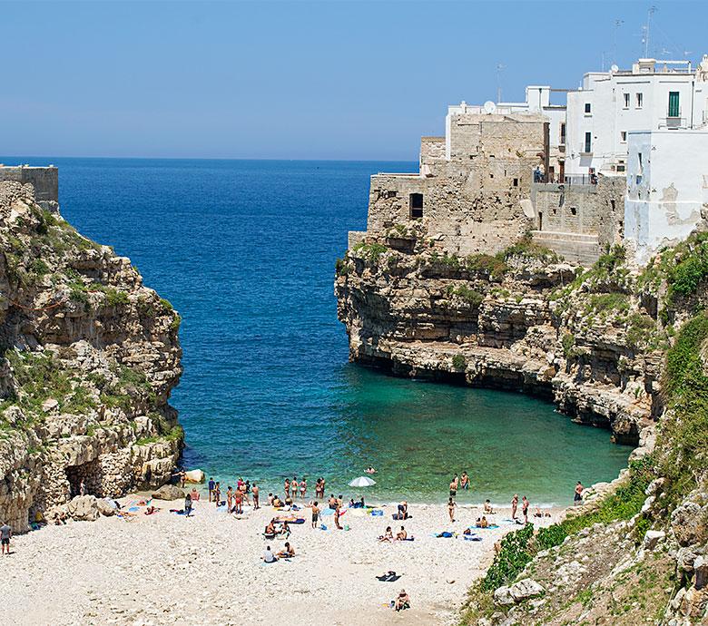 Polignano A Mare Hotel B B Ristoranti Luoghi Da Visitare Puglia