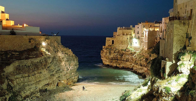 Lama Monachile Polignano a Mare sera